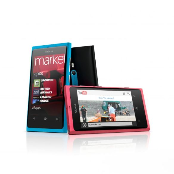 nokia-lumia-800_group